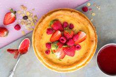 Amerikkalaistyyppinen gluteeniton juustokakku raikkaalla marjamelballa Pudding, Pie, Sweets, Desserts, Food, Torte, Tailgate Desserts, Cake, Deserts