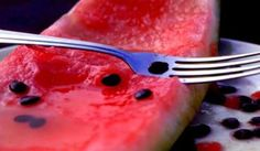Here's why you should eat watermelon seeds Benefits Of Watermelon Seeds, Herbal Remedies, Natural Remedies, Healthy Tips, Healthy Recipes, Acide Aminé, Holistic Medicine, Herbalism, The Cure