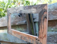 http://beachbumlivin.com Picture Frame made from Pallet Wood.