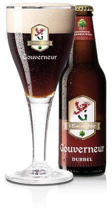 GOUVERNEUR DUBBEL - Dit is een bier om rustig van te genieten. Gouverneur Dubbel is een fluweelzacht en bitterzoet bier met karakter. We maken Gouverneur Dubbel van de beste ingrediënten zoals Tettnangerhop. Het karamelkleurige mout geeft Gouverneur Dubbel haar unieke smaak en diepe robijnrode kleur. De nagisting op fles maakt het bier een tikkeltje troebel en verrijkt het smaakaroma.
