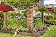 Condo/Townhome Property For Sale with 1 Beds & 2 Baths in Houston, TX (77007)