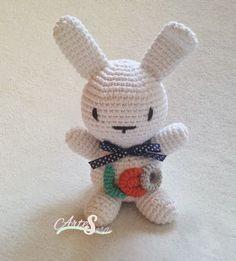 peluche conejo blanco, amigurumi personalizado blanco, tejido por artesesa