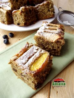 Prajitura cu nuca si fructe Banana Bread, Sweets, Pastries, Desserts, Food, Tailgate Desserts, Deserts, Gummi Candy, Candy