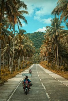 Camerashot from the back of a Jeep on the most scenic roads i've seen on my entire one year worldtrip. Siargao Philippines, Voyage Philippines, Les Philippines, Philippines Culture, Philippines Travel, Palawan, Siargao Island, Adventure Aesthetic, Photos Voyages