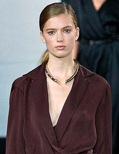 Trendy Jewelry style for SS 2015: MinimalCollar. Jason Wu Spring Summer 2015.