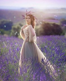 Pretty Images, Natural Light Photography, Lavender Fields, Backstage, Pretty Girls, Photo Art, Provence France, Fairy Tales, Fantasy