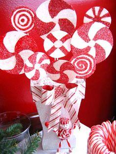 MANUALIDADES DE DECORACIONES NAVIDEÑAS PEPPERMINT CANDY Hola Chicas!! Les tengo varias manualidades de decoraciones navideñas hermosas con peppermint candy (caramelos de menta) van a poder hacer muy fácilmente y con muy poco dinero, estas son con foam (poliatileno) como base, las puedes pintar, tapizar con candy pepermint (caramelos de menta) quedara hermosas.
