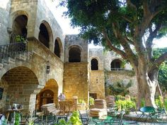 Planning a trip to the island of Rhodes, in Greece and you are looking for information? In this post find the best things to do in Rhodes, Greece. Old Town Rhodes, Stuff To Do, Things To Do, Modern Shop, Out To Sea, Open Your Eyes, Medieval Town, Greece Travel, Greek Islands