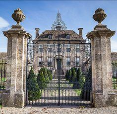 Nether Lypiatt Manor - Gloucestershire, England