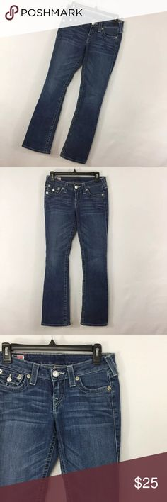 """True Religion 26 Becky Embroidered Flap Pocket True Religion 26 Becky Embroidered Flap Pocket Boot Cut Bootcut Women Stretch. Minor wear to cuff. Smoke free home. Actual Waist Measurement - 30"""" Hips Measurement - 34"""" Rise measurement - 7"""" Inseam measurement - 32"""" True Religion Jeans Boot Cut"""