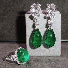 @mew_primagems. Stunning Diamond & Emerald  Earrings and Ring .