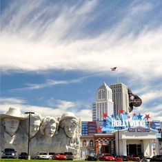 The Hollywood Wax Museum is a two-story wax museum in Pigeon Forge which features replicas of celebrities in film, television and music Pigeon Forge Hotels, Pigeon Forge Attractions, Pigeon Forge Cabin Rentals, Gatlinburg Cabin Rentals, Hotel Inn, Wax Museum, Things To Do, Vacation, Hollywood