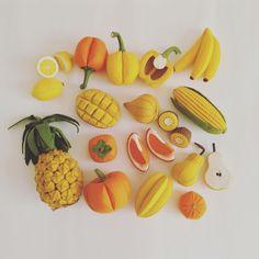 Felt Food by Tomomi Maeda : Vegetables, Fruits Felt Diy, Felt Crafts, Diy And Crafts, Arts And Crafts, Beeswax Paper, Diy For Kids, Crafts For Kids, Felt Fruit, Felt Play Food