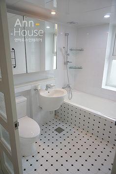 영통 신원미주아파트 인테리어-49평 : 네이버 블로그 Bathroom Inspiration, Bathtub, Interior, Home, Houses, Laundry Room And Pantry, Standing Bath, Bath Tub, Design Interiors