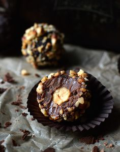These Ferrero 'Rawcher's are a raw-ified versions of the famous Ferrero Rocher! With a silky smooth hazelnut truffle centre, covered in rich raw chocolate and a coating of roasted hazelnuts, these raw Ferrero Rocher are better than the real thing!