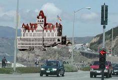 History Cliff House San Francisco, San Francisco City, San Francisco California, Places To Travel, Places To Visit, San Francisco Earthquake, Victorian Buildings, California History, Ocean Beach