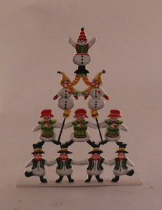 Snowman Pyrmid by Karen Markland - $102.50 : Swan House Miniatures, Artisan Miniatures for Dollhouses and Roomboxes