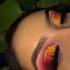Yellow orange and purple half cut crease with gold eyeliner Makeup Eye Looks, Eye Makeup Art, Colorful Eye Makeup, Cute Makeup, Glam Makeup, Pretty Makeup, Skin Makeup, Makeup Inspo, Eyeshadow Makeup