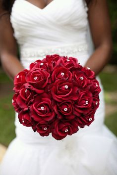 Red roses with diamond studs poked through! Super elegant