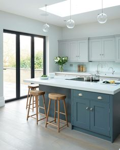 Modern Kitchen Design Modern meets Edwardian - transitional - Kitchen - South East - Rencraft Ltd - Kitchen Cabinets Color Combination, Two Tone Kitchen Cabinets, Kitchen Cabinet Colors, Kitchen Colors, White Cabinets, Kitchen Island, Cupboards, Shaker Cabinets, Coloured Kitchen Cabinets