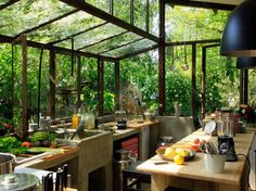 DREAM HOUSE OF THE DAY: Greenhouse kitchen!