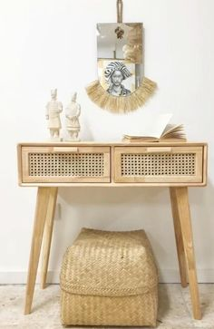 Bambus- und Rattan-Möbel - ein kleiner Shoppingguide - heylilahey. Rattan, Natural Cabinets, Hall And Living Room, Bungalow Decor, Storage Stool, Wicker Trunk, Living Room Cabinets, Bohemian Interior, Chair And Ottoman