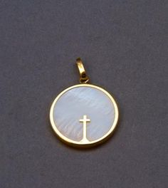 Médaille de baptême Or et Nacre petite Croix Aubry-Cadoret