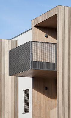 Narrow Balcony, Modern Balcony, Architecture Design, Residential Architecture, Balcony Grill Design, Staircase Handrail, Railings, Balcony Furniture, Balcony Railing