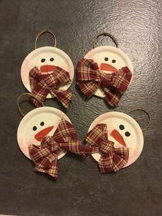 Christmas chronicles language diy christmas ornaments foam b Primitive Christmas Ornaments, Snowman Ornaments, Christmas Crafts For Kids, Christmas Projects, Holiday Crafts, Christmas Gifts, Christmas Decorations, Etsy Christmas, Primitive Snowmen