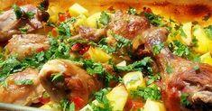 Nagyon finom és gyorsan el is készül, számunkra ez a tökéletes főétel! :))  Hozzávalók:  4 csirkecomb 1 kg burgonya 1 paradicsom 6 gerezd fokhagyma petrezselyemzöld…
