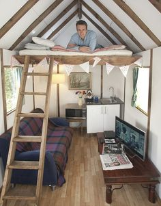 Tom Rawstorne celebrated the completion of his flat pack house by settling down to a microwave meal and a James Bond film inside Tiny House Cabin, Tiny House Living, Tiny House Design, Shed Plans, House Plans, Summer House Interiors, Summer House Decor, Small Summer House, Summer Houses