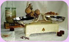 Risultati immagini per bilance da cucina antiche