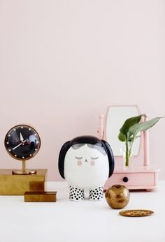 Dream Saver Meyer Lavigne The series consists of three savings boxes named Panda, Kawaii and Dreamer. The boxes are cast in porcelain and decorated with hand-drawn ceramic transfers and hand-painted elements Fall Home Decor, Autumn Home, Decorative Accessories, Home Accessories, Savings Box, Deco Originale, Cute Little Things, Lovely Things, Minimalist Interior