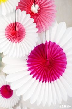 Papieren bloem wit roze / paper flower white pink   ENGEL. celebrate for life photography by style cookie