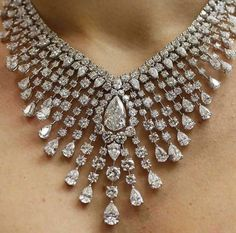 I'd love to wear a stunning diamond necklace like this one with my wedding dress, it's beautiful!