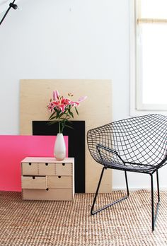 Pink, black, white, plywood. Fresh and personal style. Love it! // Bambula blog