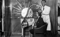 vintage everyday: Vintage Beauty Salons – Hilarious Photos of the Early Hair Dryers from between the 1920s and 1940s