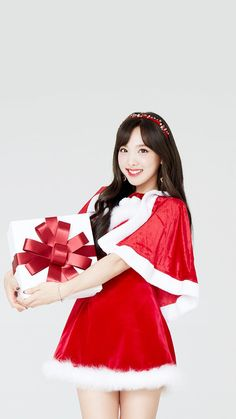 "Nayeon Says ""Merry Christmas""💘 Kpop Girl Groups, Korean Girl Groups, Kpop Girls, Twice Jyp, Nayeon Twice, Im Nayeon, Dahyun, Fandom, Korean Actresses"
