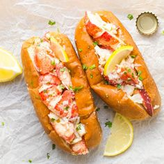 As classic lobster rolls go, you've got this delicious alternative - these Warm Lemon Butter Lobster Rolls (aka Connecticut-style lobster rolls). straight from the cooker Maine Lobsters. & I love tarragon with seafood. Lobster Roll Recipes, Fish Recipes, Seafood Recipes, Great Recipes, Dinner Recipes, Cooking Recipes, Favorite Recipes, Healthy Recipes, Lobster Rolls