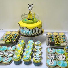 Cake and cupcakes and cookies Zebra Birthday, Boy Birthday, Birthday Parties, Cupcakes, Cupcake Cakes, Cake Pops, Holidays And Events, First Birthdays, Diy And Crafts