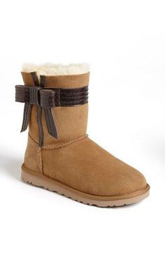 A little girly twist on our beloved UGG Check our selection  UGG articles in our shop!
