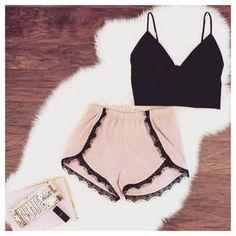 Image about fashion in 👛moda👛 by Yanara Cornejo Fashion Mode, Teen Fashion, Fashion Outfits, Womens Fashion, Fashion Killa, Spring Summer Fashion, Spring Outfits, Cute Pjs, Mode Ootd