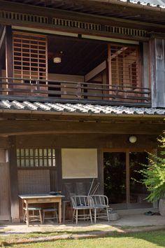 farmhouse_japan_kitka-15 Modern Japanese Architecture, Japanese Buildings, Asian Architecture, Sustainable Architecture, Residential Architecture, Restaurant Facade, Traditional Japanese House, European House, Facade House