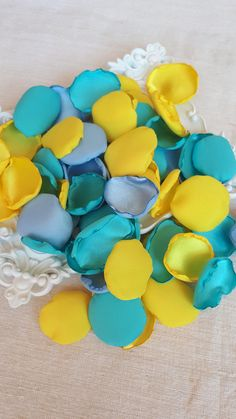 Turquoise Blue, Sky Blue & Yellow Satin Rose Petals Mix Yellow and Blue Wedding Bridal Shower Sommer Party Decor Aisle Runners Handmade Blue Wedding Flowers, Bridesmaid Flowers, Wedding Colors, Purple Color Schemes, Color Combinations, Azul Tiffany, Tiffany Blue, Our Wedding, Wedding Ideas