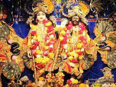 Sri Sri Hari Haladhari Wallpaper (001)   Download Wallpaper: http://wallpapers.iskcondesiretree.com/sri-sri-hari-haladhari-queens-new-york-wallpaper-001/  Subscribe to Hare Krishna Wallpapers: http://harekrishnawallpapers.com/subscribe/  #Baladeva, #Balaram, #Haladhari, #Hari, #HariHaladhari, #Krishna, #KrishnaBalaram