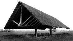 Dobrava Floating Roof een ontwerp van Oton Jugovec uit 1970 ten behoeve van een archeologische opgraving van het Sloveense Gutenwerth.