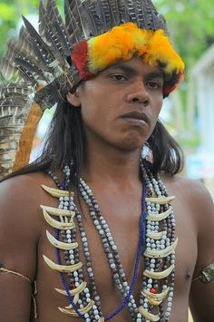 Indígena Tupiniquim