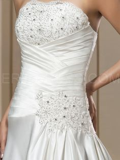 Best selling A-line Natural Appliques Strapless Chapel Train Wedding Dress 5