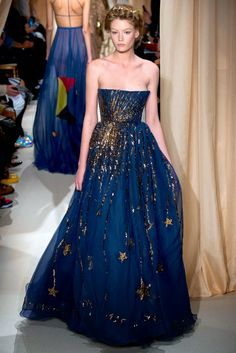Valentine by Valentino Couture 2015 Inspired by the night sky #Couture #Valentino #No38