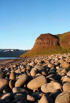 Ingjaldssandur/Sæból. / Hrafnaskálanúpur by Nói, via Flickr